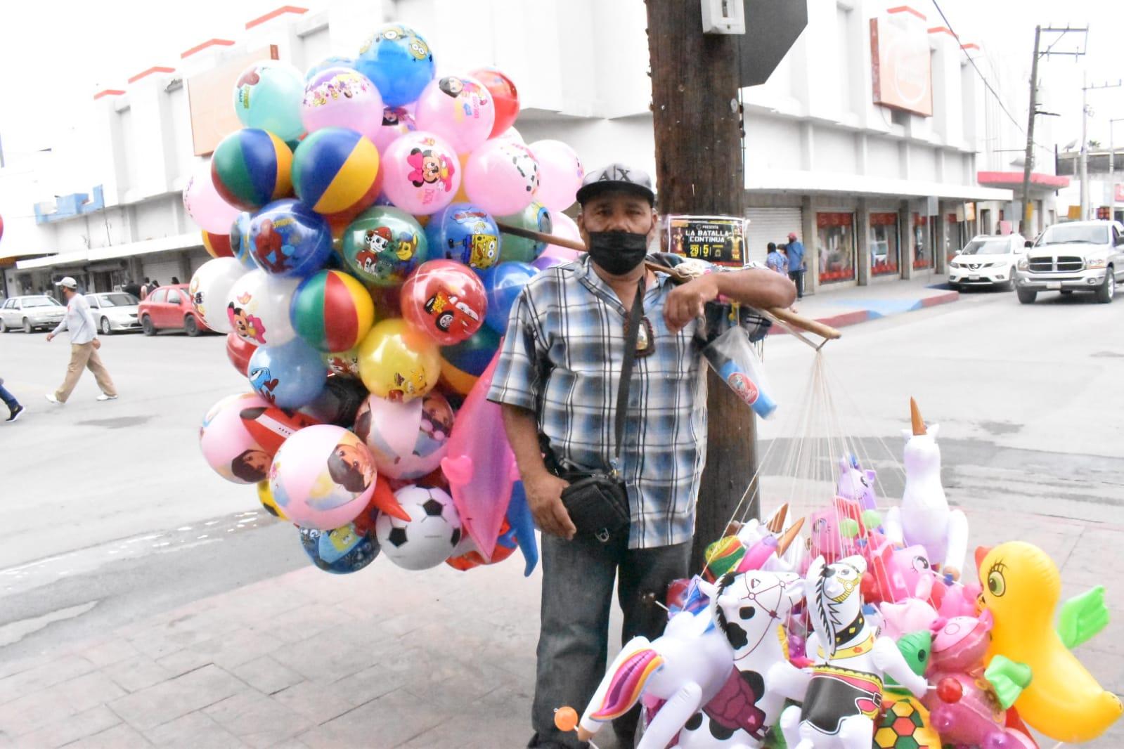 Volvió a Monclova la atracción y el colorido de los globos para los infantes