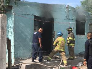 Se incendia casa en avenida Las Torres de Monclova