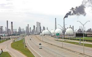 Acusan derroche millonario en la refinería Deer Park