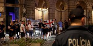 Piden vigilancia a quienes compartieron con hinchas británicos en Oporto