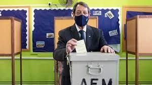 Los conservadores ganan las elecciones en Chipre pero con pérdidas