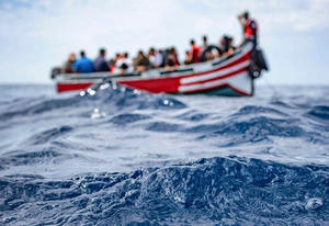 Marina Real marroquí rescata 19 emigrantes en estado crítico en Mediterráneo