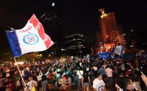 Festejo del Cruz Azul congregó a 80 mil personas en el Ángel