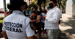 Cura activista mexicano denuncia desplazamiento de su familia por amenazas