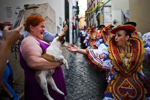El alcalde de Lisboa cancela las verbenas de San Antonio