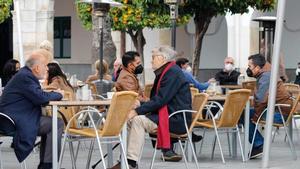 La pandemia continúa bajando en España, con una incidencia de 120 casos