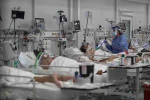 Ocho provincias argentinas están al borde del colapso en terapias intensivas