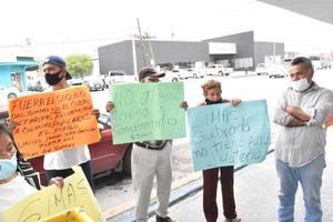 Se manifiestan vecinos de la Obrera contra el SIMAS en Monclova