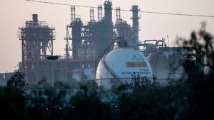Impugnan suspensión que frena la Ley de  Hidrocarburos