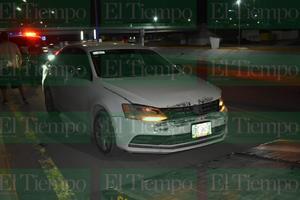Auto fantasma le choca en Monclova