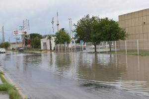 Se hunde pavimento del libramiento CSG cada vez que llueve en Frontera