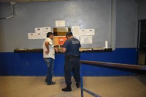 Ley seca no impidió que bebiera en calles de Monclova