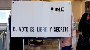 La comunidad peruana en Argentina vota con restricciones por la pandemia