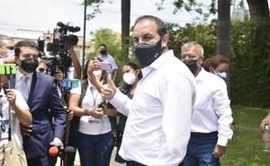 Cuauhtémoc Blanco emite su voto