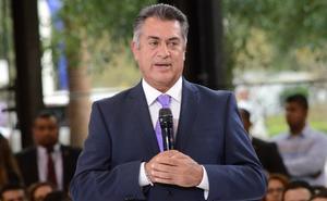 Felicita 'El Bronco' a Samuel García tras triunfo virtual en NL