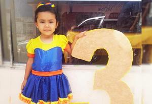 Lidia Victoria celebra 3 años