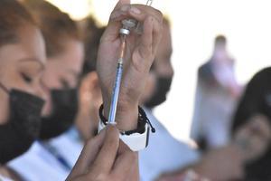Reinician vacunación antiCOVID-19 para los adultos mayores de 50 en Monclova