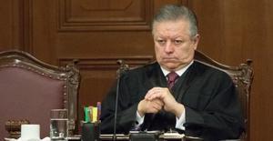 Llaman magistrados a invalidar ampliación de mandato a Zaldívar