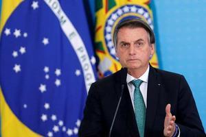 Bolsonaro quiere investigar si gobernadores 'exageran' muertes por covid-19