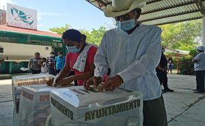 Morena gana 19 diputaciones locales y 51 municipios en Oaxaca