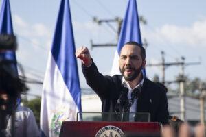Gremio periodístico salvadoreño condena 'seguimiento' de Gobierno a la prensa
