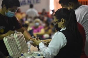 Mantiene Salud vacunación antiCOVID-19 en Monclova
