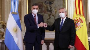 El presidente argentino genera polémica al atribuir frase a Octavio Paz