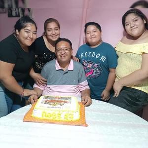 Roberto Ortiz celebra un año más de vida