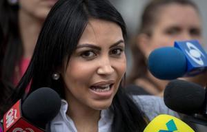 Opositora asegura que en Venezuela 'se violan todos los DDHH al mismo tiempo'