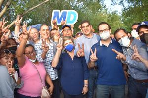 Celebra Mario Dávila triunfo en Monclova; subió su diferencia de 550 a 1,200 votos