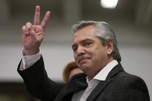Alberto Fernández: Presidente argentino atacado con memes en las redes sociales