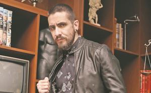 Oscar Schwebel aprovecha pandemia y escribe novela de ficción