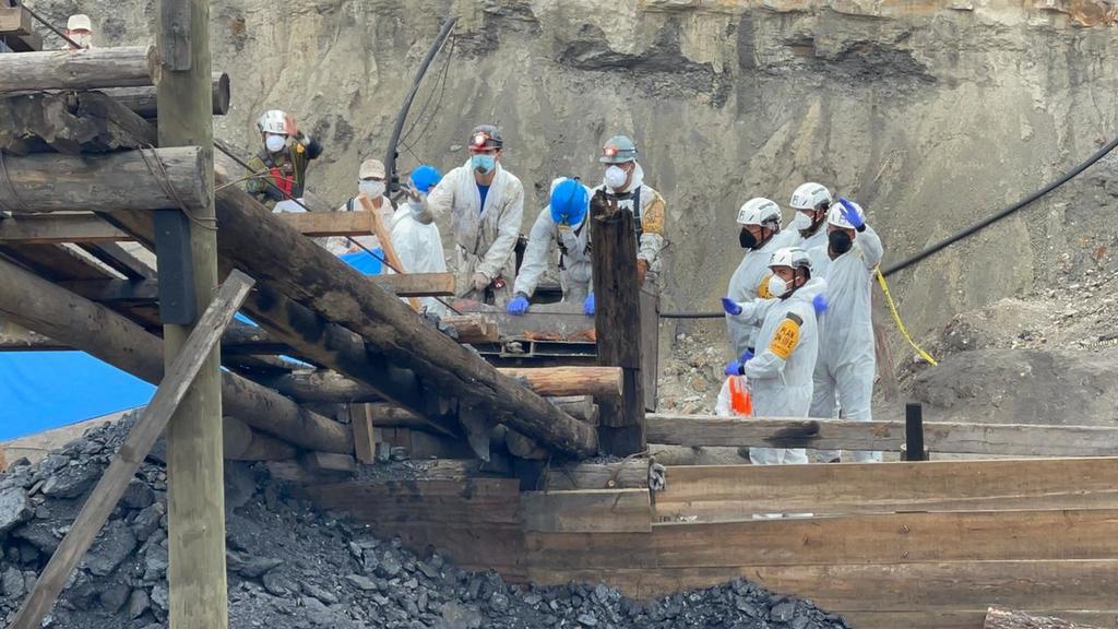 Rescatan cuerpo de séptimo trabajador en mina de Múzquiz