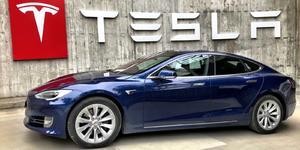 Tesla lanzará un automóvil de alta gama que competirá con Mercedes y Porsche