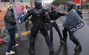 Defensoría pide al Gobierno colombiano que rechace abusos de fuerza pública