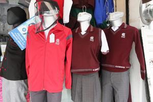 En suspenso, venta de uniformes escolares en Querétaro