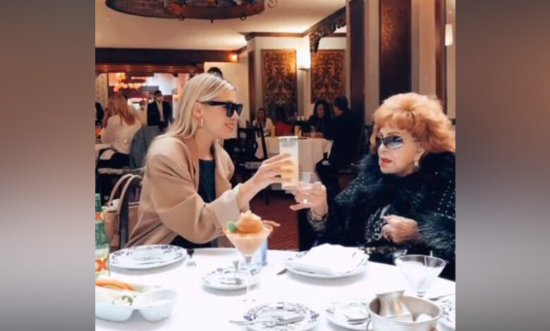 Michelle Salas festeja su cumpleaños 32 con su bisabuela Silvia Pinal