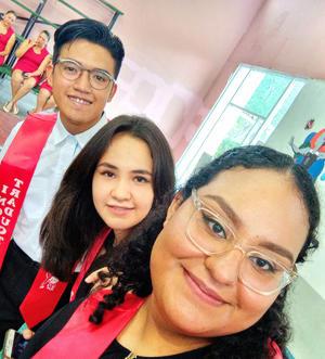 Montserrat se graduó de COBAC Prepa 24 de la especialidad,  Traductor de Inglés