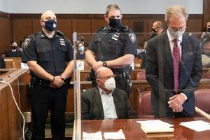 Tras ser detenido, el director financiero de la Organización Trump se declaró no culpable