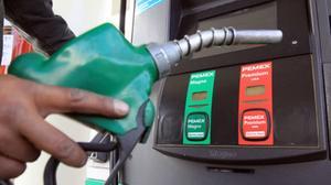 Hacienda anuncia reducción del subsidio semanal a gasolinas