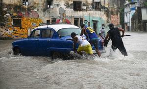 Tormenta tropical Elsa toca tierra en la costa del suroeste de  cuba