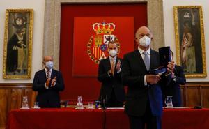 Dan a Enrique Krauze el Premio de Historia 'Órdenes Españolas'