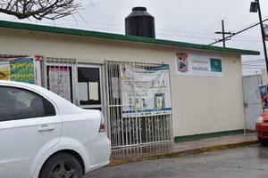 Empleados de Salud trabajan sin cubrebocas en Monclova