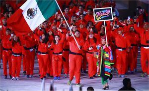'Vamos por medalla', señalan seleccionados olímpicos al partir a Tokio