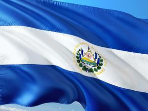 Organizaciones denuncian persecución a críticos del Gobierno en El Salvador