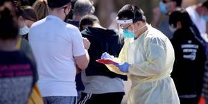 Australia aumenta restricciones ante aumento de contagios de COVID-19 en Sídney