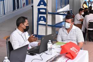 Ciudadanos de Monclova sin trabajo por pandemia logran 'congelar' sus cuentas de INFONAVIT
