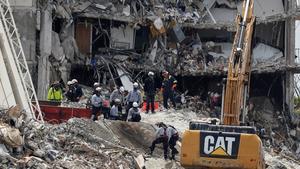 La cifra de muertos por el derrumbe de edificio de Miami aumenta a 78