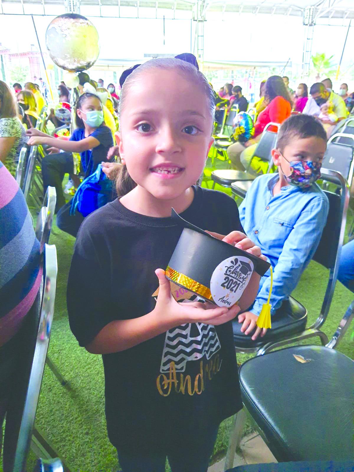Andrea Gutiérrez se gradúa de preescolar
