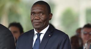 Aplazan la investidura del presidente proclamado por el Senado de Haití